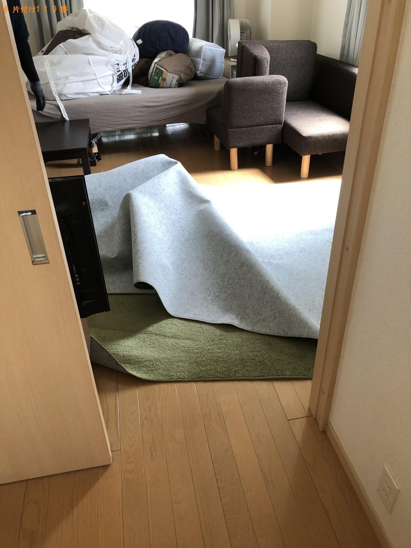 【京都市】ダイニングテーブル、カーペットなどの出張不用品回収・処分ご依頼