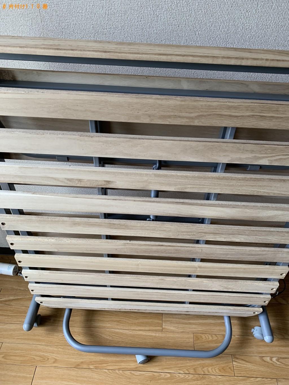 【京都市下京区】電子レンジ、折り畳みベッド、PCデスク等の回収