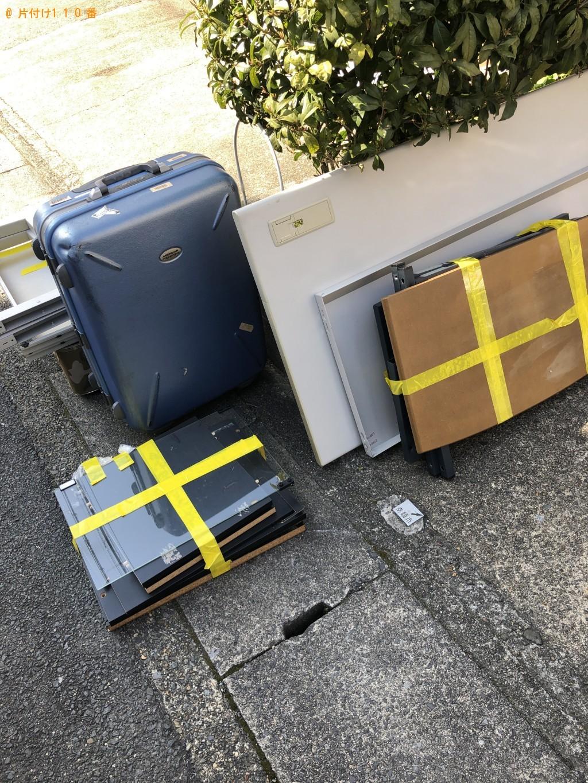 【京都市右京区】PCデスク、テレビ台、スーツケースの回収・処分
