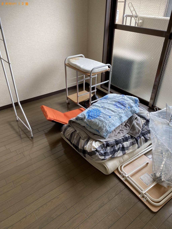 【京都市上京区】カーペット、食器棚、カラーボックス等の回収