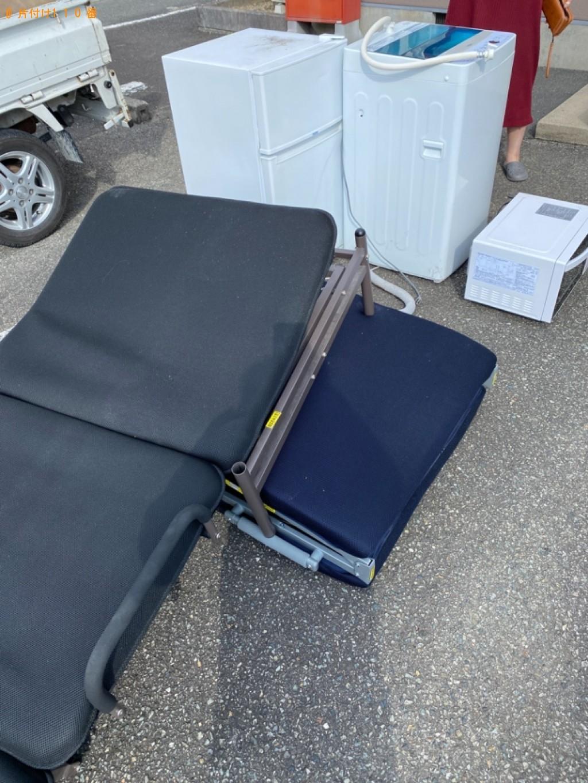 【南丹市園部町】冷蔵庫、洗濯機、折り畳みベッド、電子レンジの回収