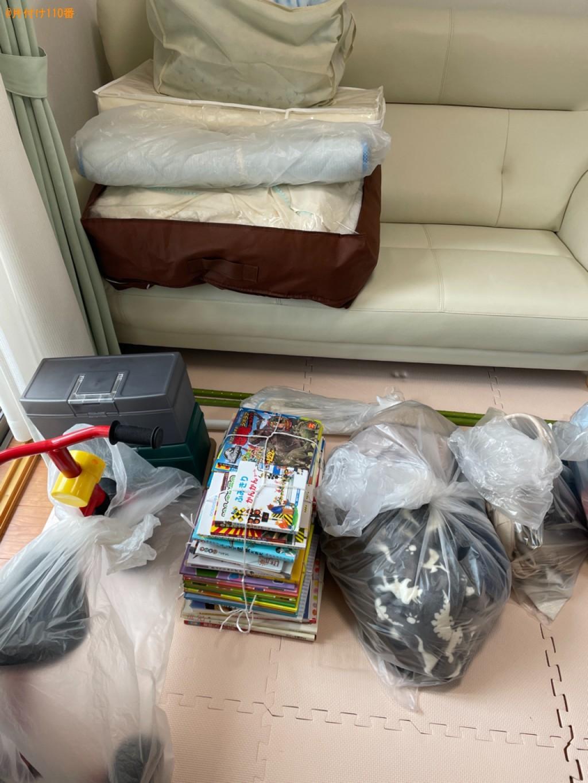 【京都市西京区】布団、物干し竿、三輪車、電話代、本等の回収・処分
